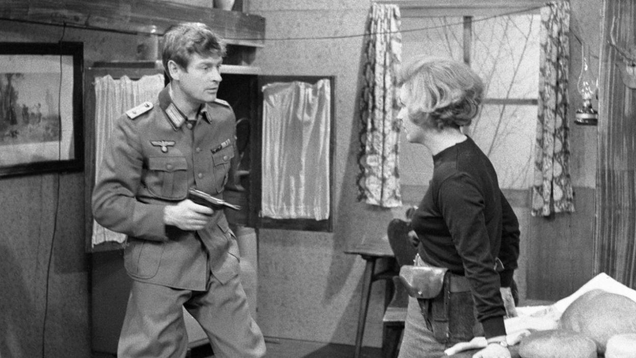 Scena z udziałem Stanisława Mikulskiego i Wandy Majerówny (fot. Zygmunt Januszewski/TVP)