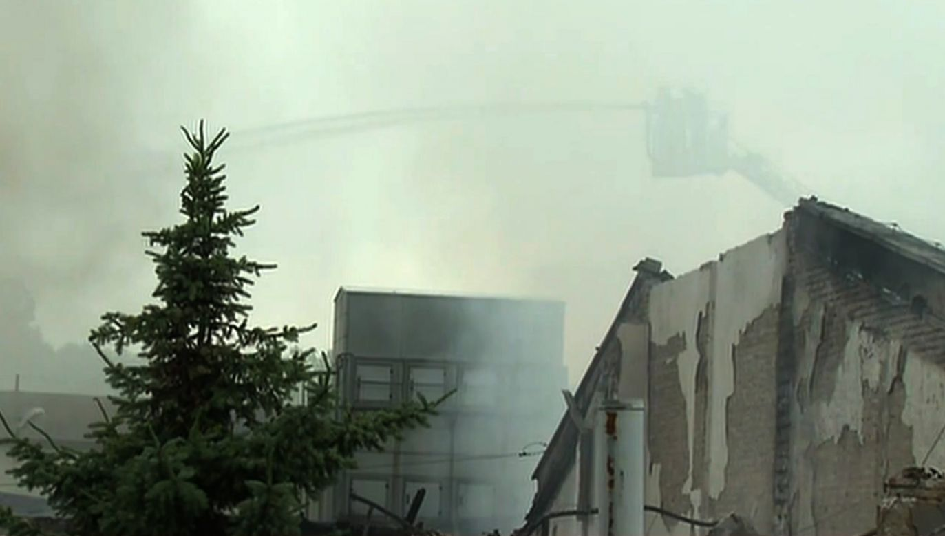 Na miejsce zdarzenia zostały skierowane wszystkie jednostki z Jaworzna oraz plutony gaśnicze spoza miasta (fot. TVP info)