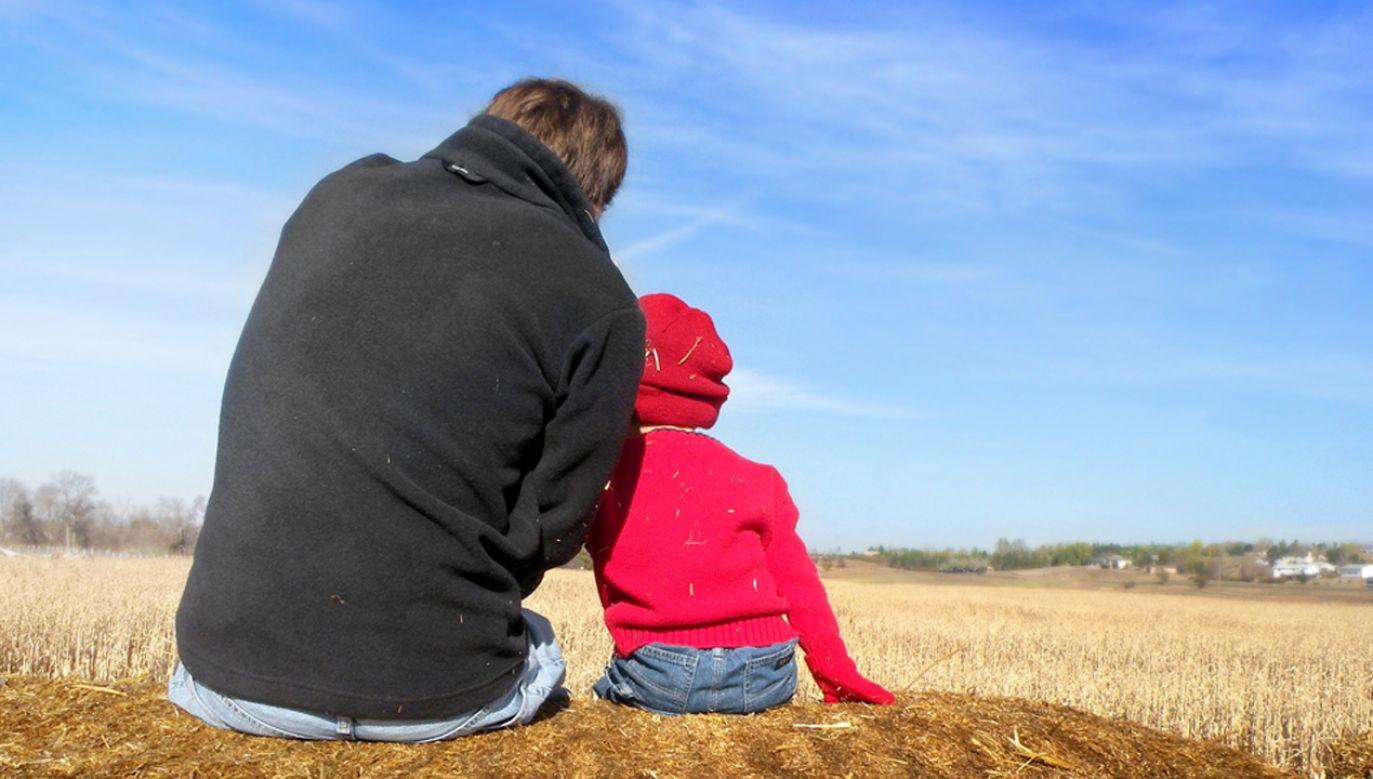 Ojcowie mogą także wykorzystać urlop rodzicielski, który trwa maksymalnie 32 tygodnie (fot. pixabay/faithfinder06)