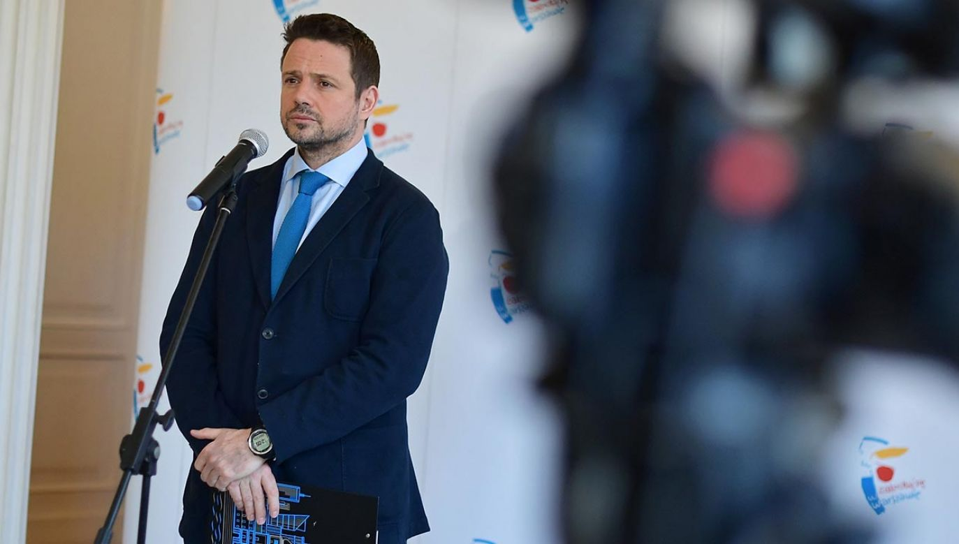 W czasie kampanii prezydenckiej Rafał Trzaskowski przekonywał, że Warszawą można zarządzać zdalnie (fot. PAP/Marcin Obara)
