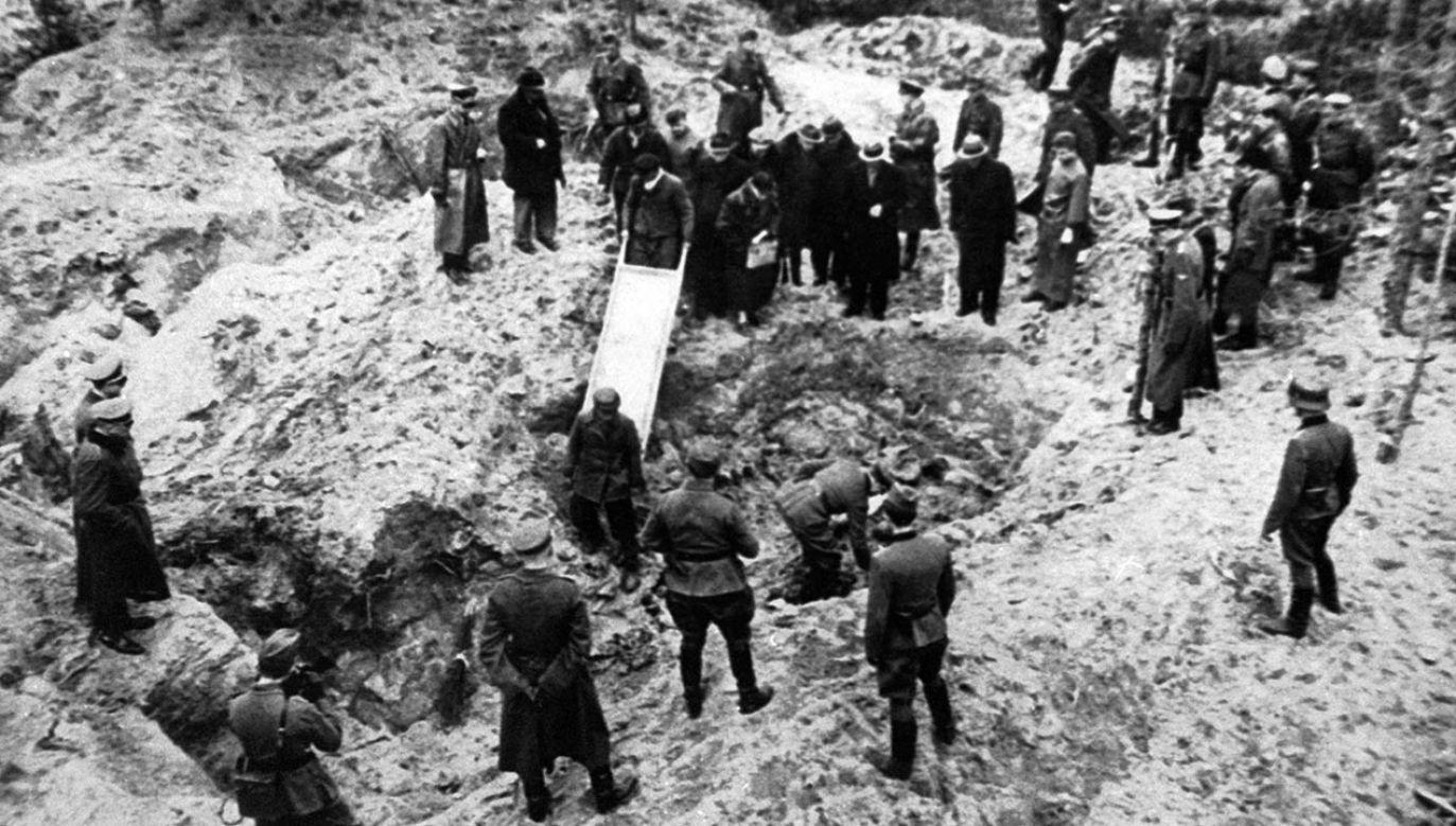 Przez wiele lat władze sowieckiej Rosji wypierały się odpowiedzialności za mord (fot. KOK-LOCHON/Gamma-Rapho via Getty Images)