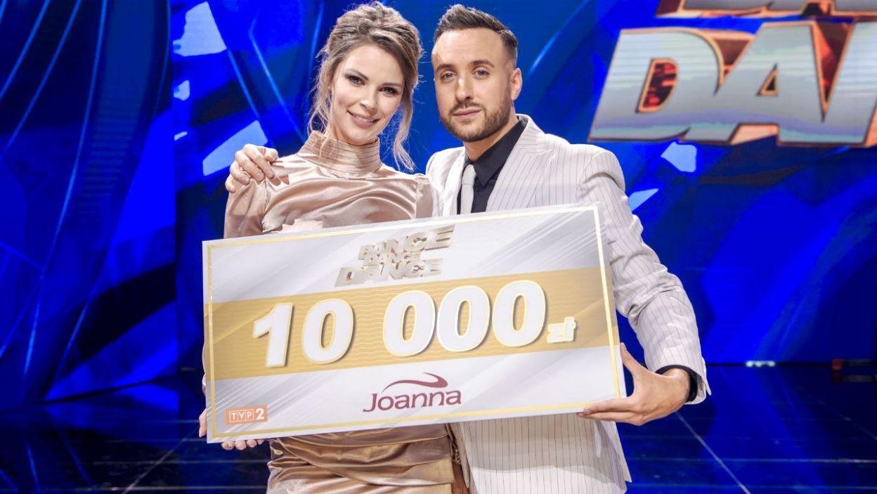 """Para postanowiła przeznaczyć nagrodę na rzecz Fundacji Dzieciom """"Zdążyć z Pomocą"""" (fot. TVP)"""