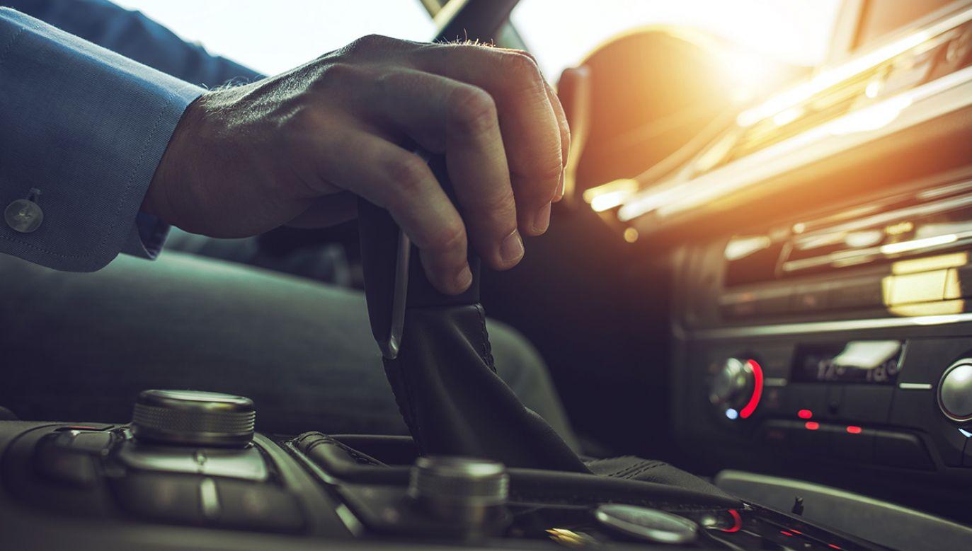 Zalety nowego systemu to m. in. mniejsze zużycie paliwa i hamulców (fot. Shutterstock/welcomia)
