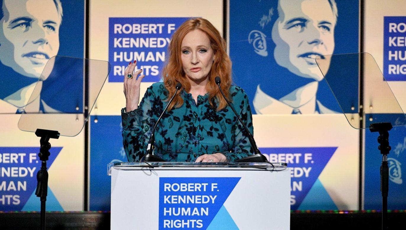 J.K. Rowling przekazała milion funtów dla ofiar przemocy domowej oraz bezdomnych cierpiących w czasie pandemii koronawirusa (fot. Dia Dipasupil/Getty Images)
