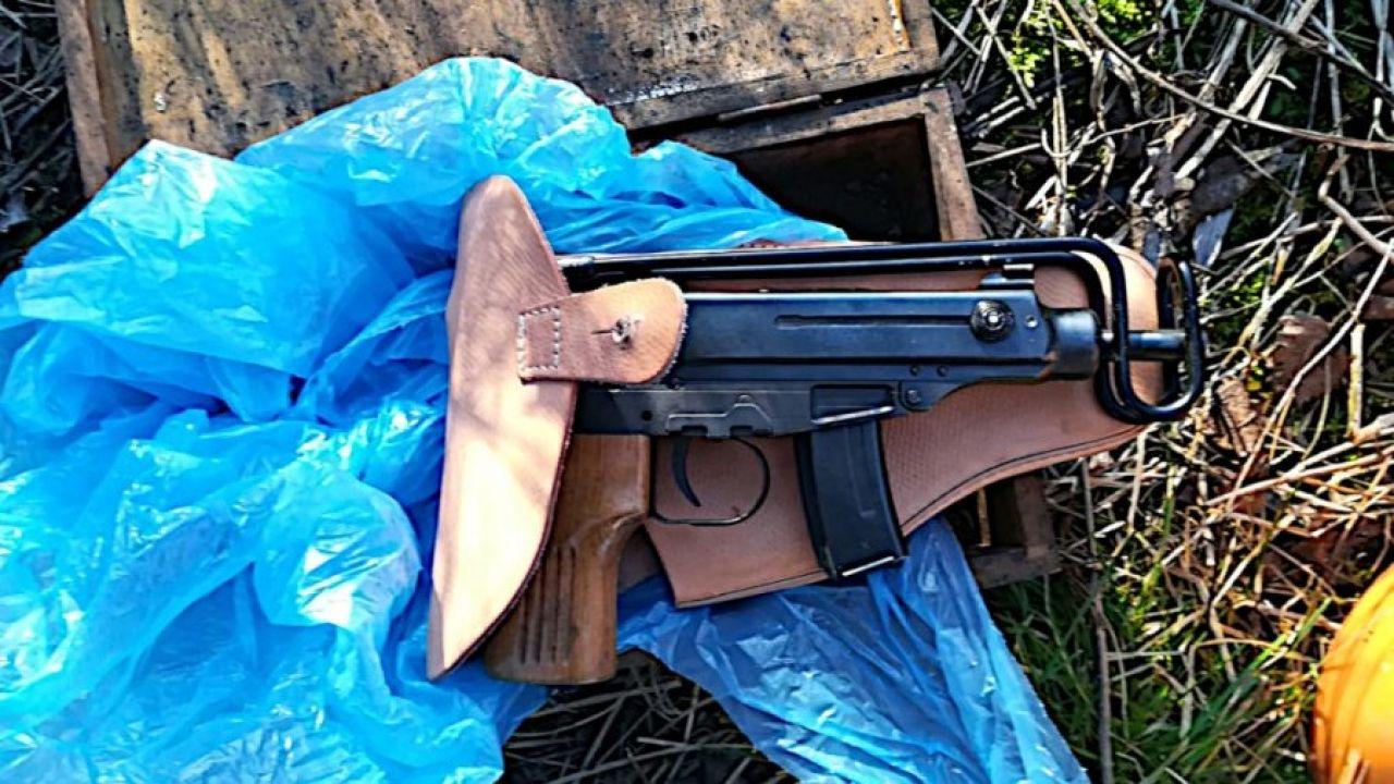 """Dostawcy """"Kury"""" byli dobrze uzbrojeni (fot. CBŚP)"""