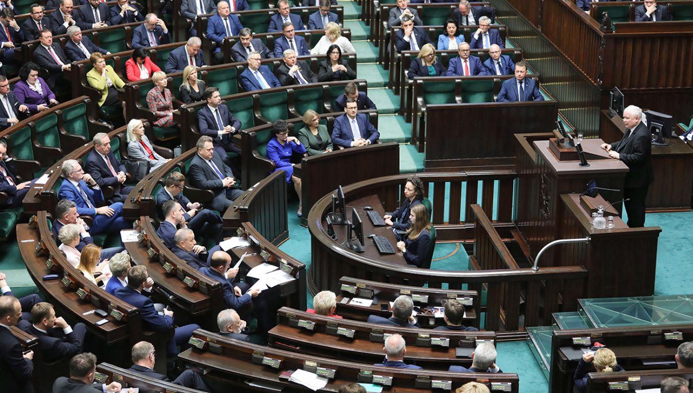 Projekt złożyli wcześniej również posłowie Prawa i Sprawiedliwości (fot. PAP/Paweł Supernak)