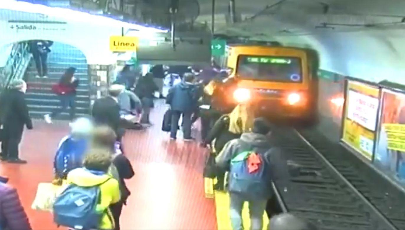 Ludzie gorączkowo machali w kierunku nadjeżdżającego pociągu (fot. Buenos Aires Metropolitan Police)