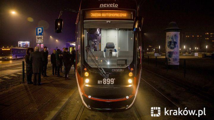 """В Кракове испытали """"беспилотный"""" трамвай"""