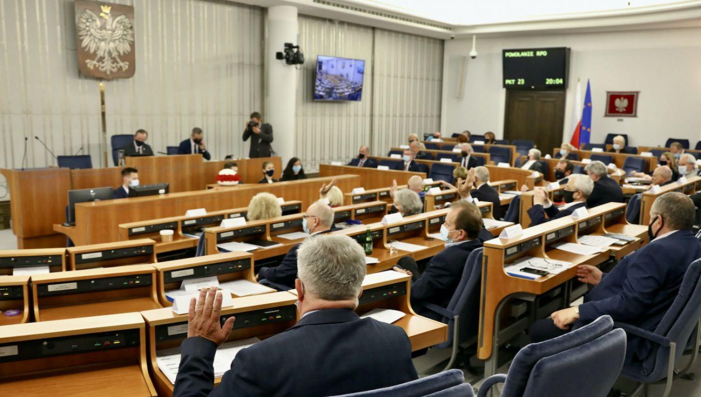 Senat kolejny raz nie wybrał RPO (fot. PAP/Albert Zawada)