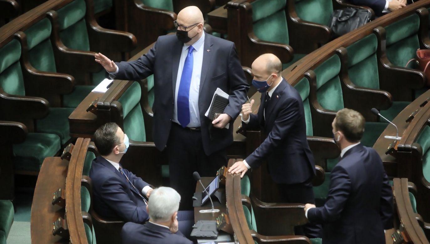 Co Polacy myślą o opozycji (fot. PAP/Wojciech Olkuśnik)