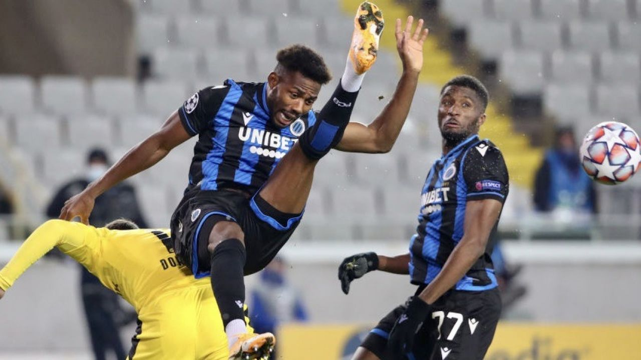 Emmanuel Dennis jest piłkarzem Club Brugge (fot. Vincent Van Doornick/Isosport/MB Media/Getty Images)