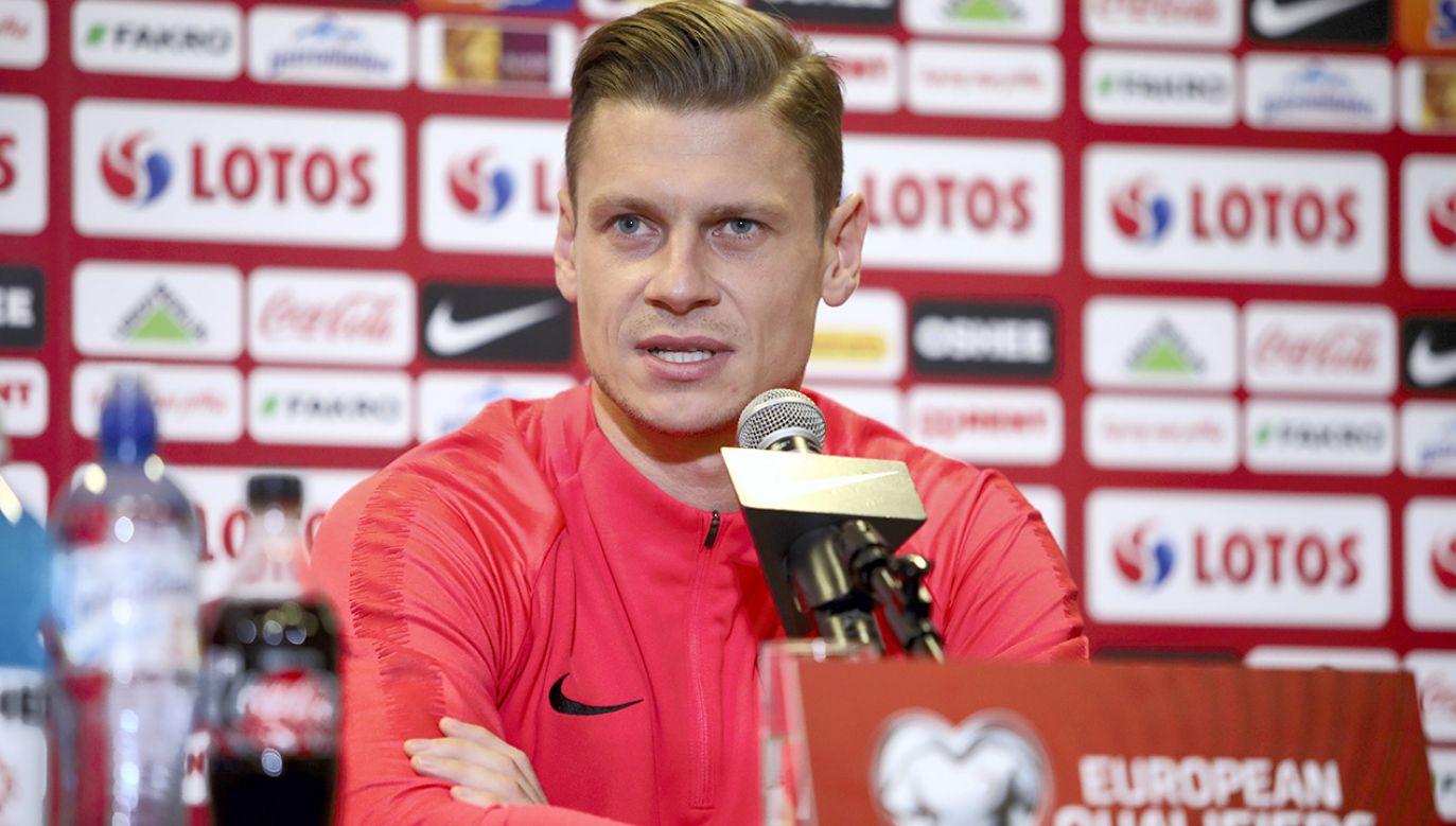 Łukasz Piszczek rozpocznie mecz ze Słowenią w podstawowym składzie (fot. PAP/Leszek Szymański)