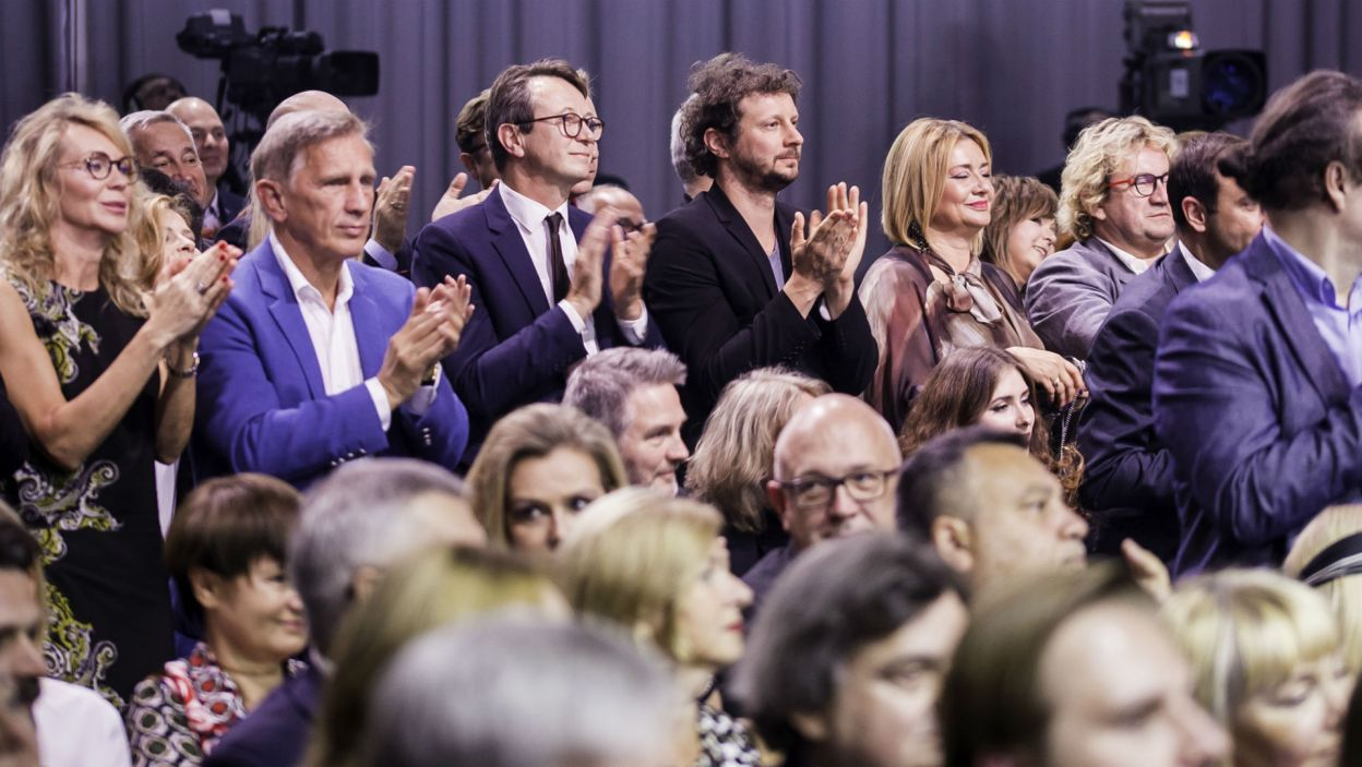 Laureaci Wielkiej Nagrody uhonorowani zostali przez kolegów aktorów owacjami na stojąco (fot. S. Loba)
