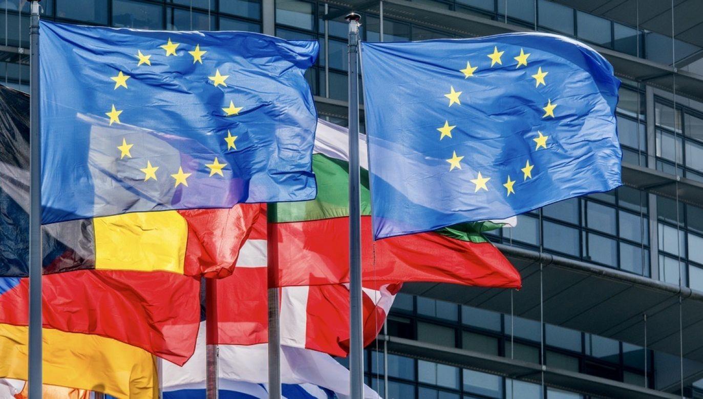 Niemiecki dziennik o suwerenności i jej zrzeczeniu na rzecz UE (fot. Shutterstock/jarrow153)