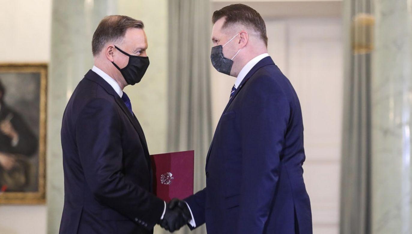 Przemysław Czarnek nie mógł zostać zaprzysiężony wcześniej z powodu zakażenia koronawirusem (fot. Adam Guz/KPRM)