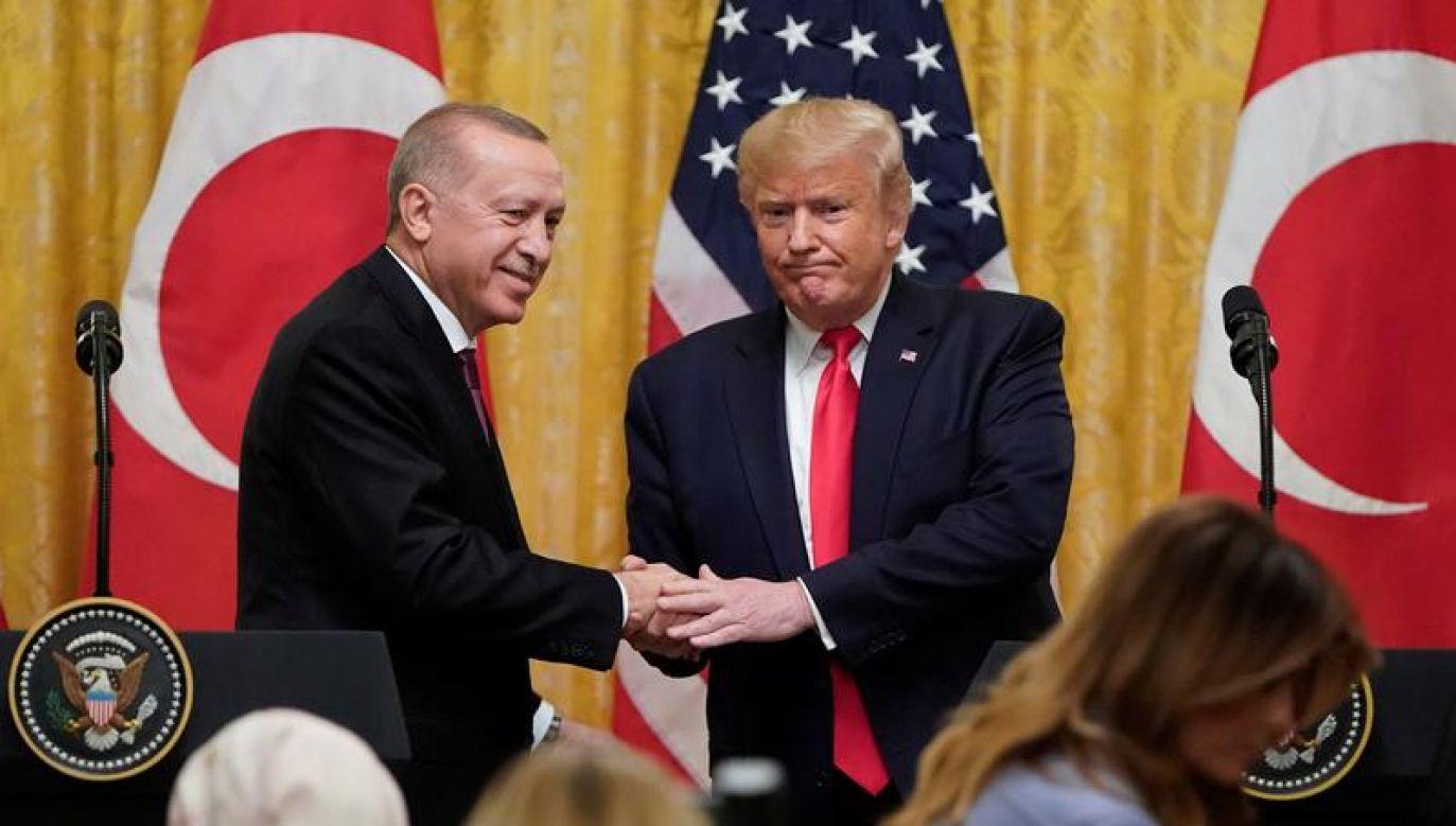 Od wielu miesięcy stosunki amerykańsko-tureckie są napięte (fot. REUTERS/Joshua Roberts)