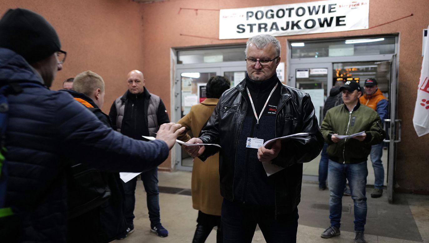 Górnicy zawiesili protest do września (fot. PAP/Andrzej Grygiel