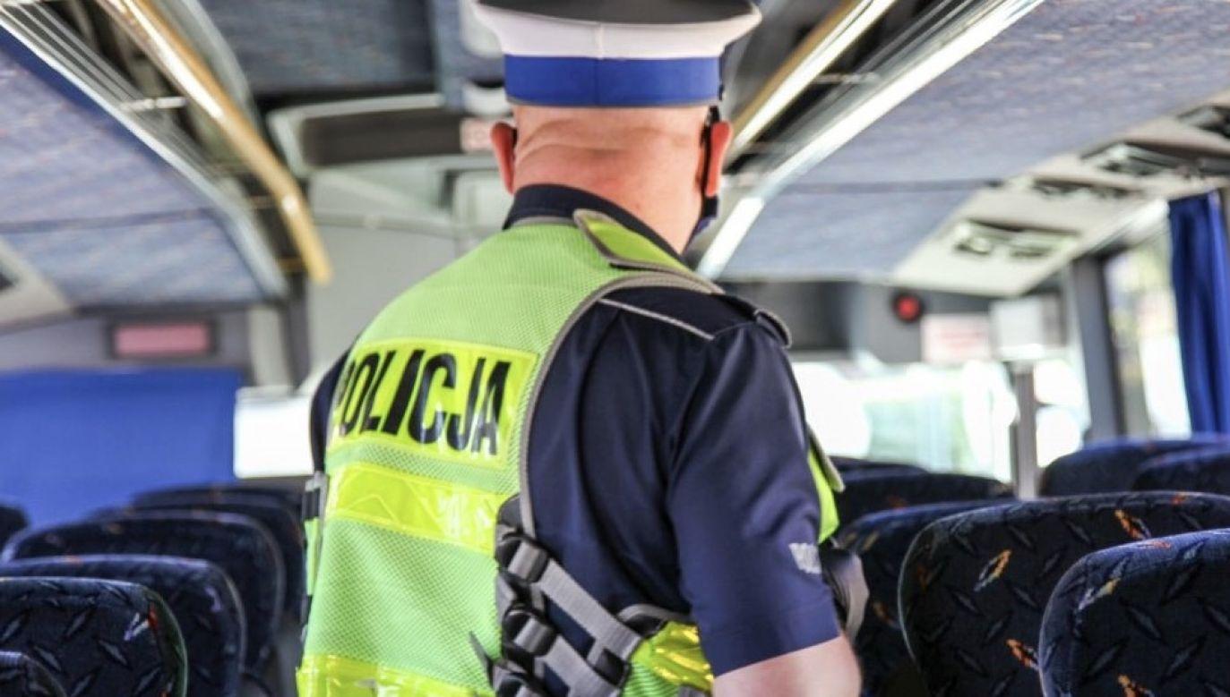 """""""Nie bądź naiwny, nie daj się oszukać!"""" (fot. policja.pl)"""
