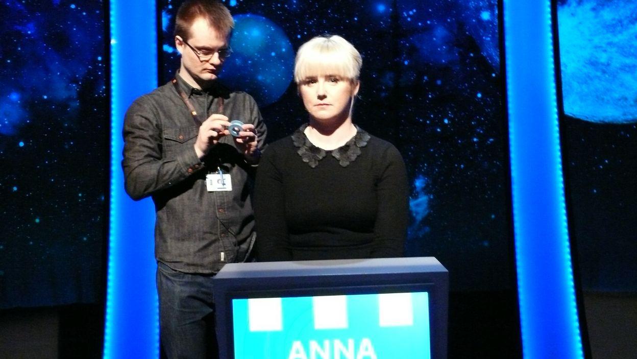 Pani Anna wylosowała stanowisko nr 7 i za chwilę rozpocznie grę