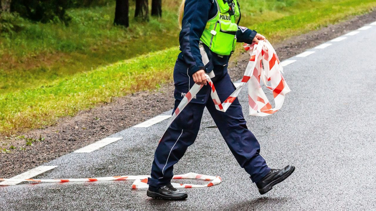 Okoliczności zdarzenia wyjaśnia policja (fot. PAP/Marcin Onufryjuk, zdjęcie ilustracyjne)