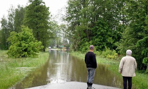 Maj 2019 rok. Podtopienia w Wampierzowie koło Mielca. Na Podkarpaciu pogotowie przeciwpowodziowe obowiązywało w 7 powiatach. Fot. PAP/Darek Delmanowicz