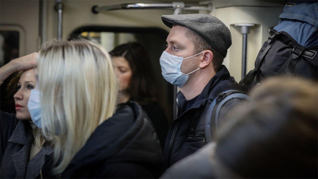 Epidemia dotarła już także na Białoruś (fot. PAP/EPA/YURI KOCHETKOV)