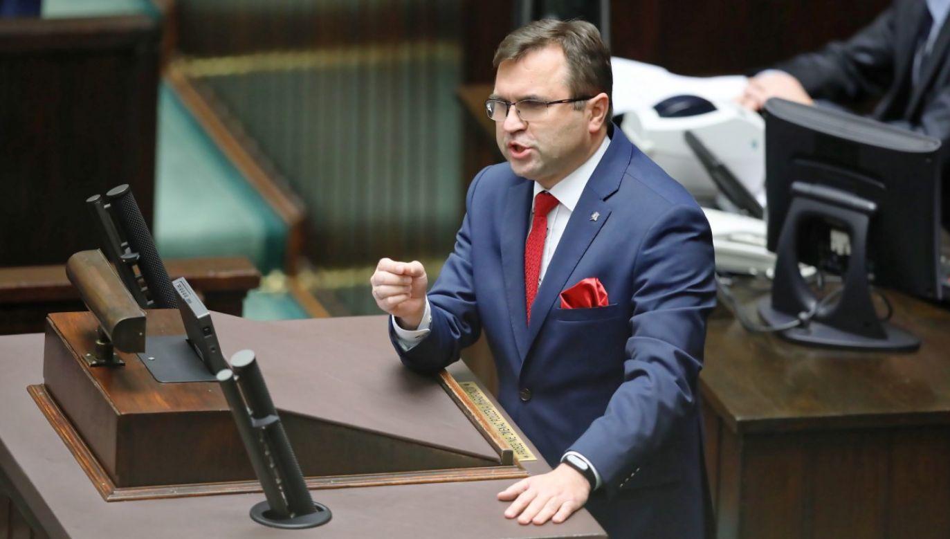 Decyzją prezesa PiS poseł został zawieszony (fot. arch. PAP/Leszek Szymański)