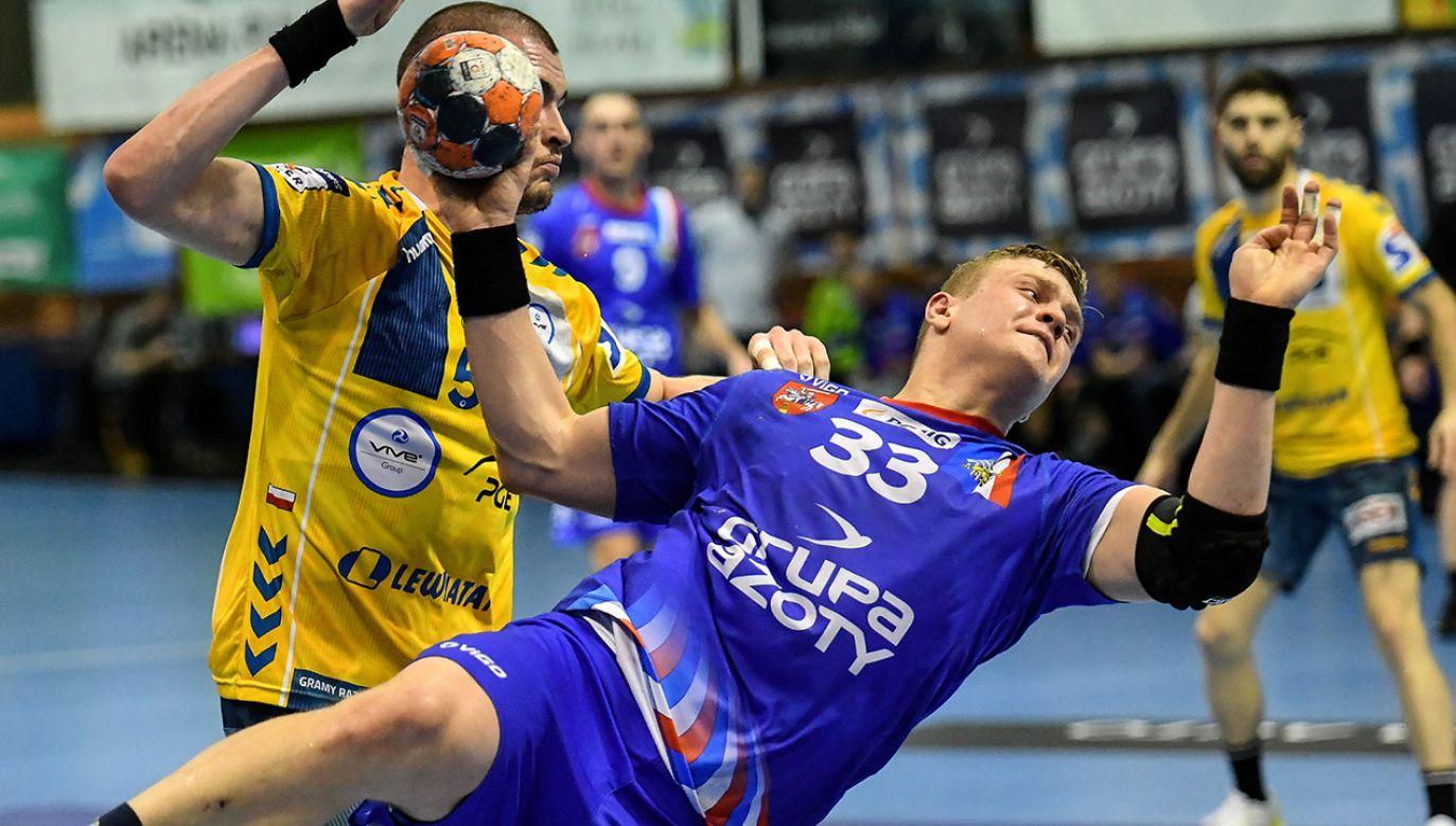 W ostatnim rozegranym meczu Azoty Puławy przegrały z PGE VIVE Kielce (fot. PAP/Wojtek Jargiło)