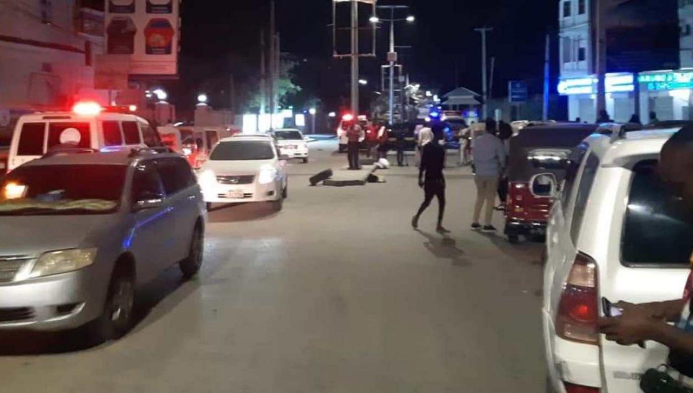 Zamachowiec zdetonował ładunek w jednej ze stołecznych restauracji (fot. Twitter/@Cabdalleaxmed)