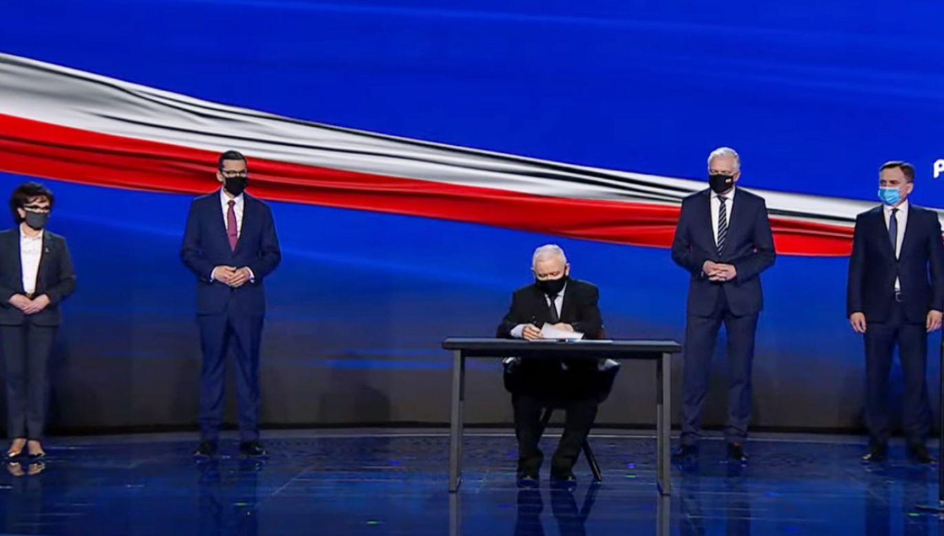 Po podpisaniu deklaracji głos zabrał prezes PiS Jarosław Kaczyński (fot. Prawo i Sprawiedliwość)