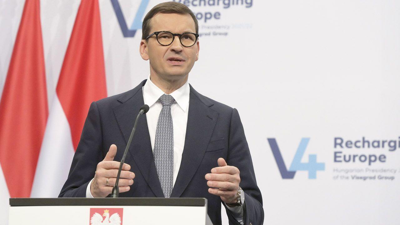 Premier Mateusz Morawiecki (fot. PAP/EPA/Szilard Koszticsak)
