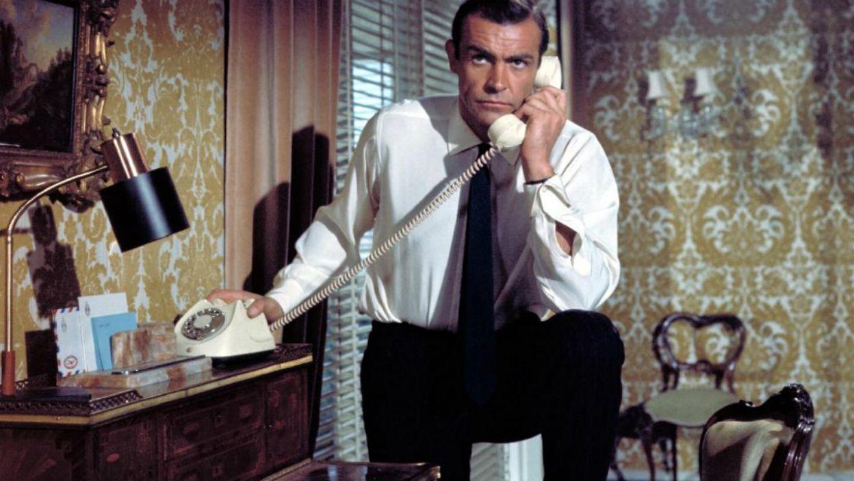 """W filmie """"Pozdrowienia z Rosji"""" (1963 r.) agent 007 musi przejąć kontrolę nad radziecką maszyną dekodującą szyfry. Connery był po prostu stworzony do tej roli! (fot. TVP)"""