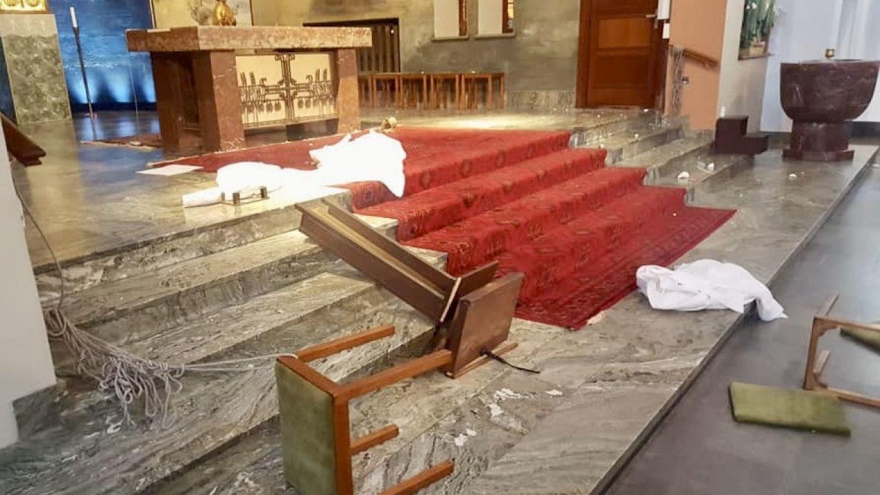 W kościele pw. Chrystusa Króla w Goeteborgu w Szwecji doszło do wandalizmu (fot. FB/Andrew Raymond Wadsworth)