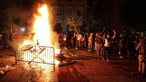 – To złożona, niejasna sprawa, gdzie na rzeczywiste poczucie krzywdy nakładają się interesy różnych grup – mówi Artur Wróblewski (fot. Yasin Ozturk/Anadolu Agency via Getty Images)