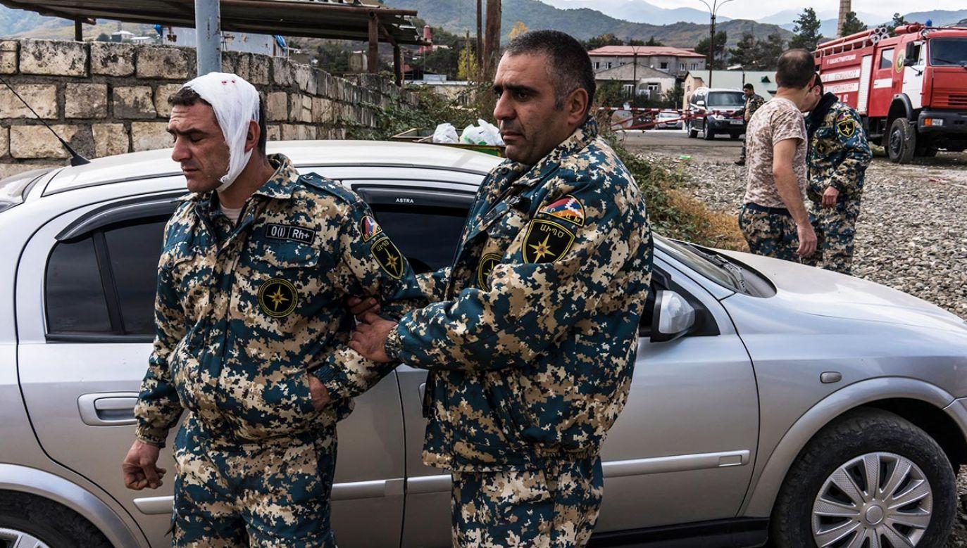 Po 10 dniach intensywnych starć azerbejdżańsko-armeńskich pojawiła się szansa, choć wciąż niewielka, na deeskalację (fot. Brendan Hoffman/Getty Images)