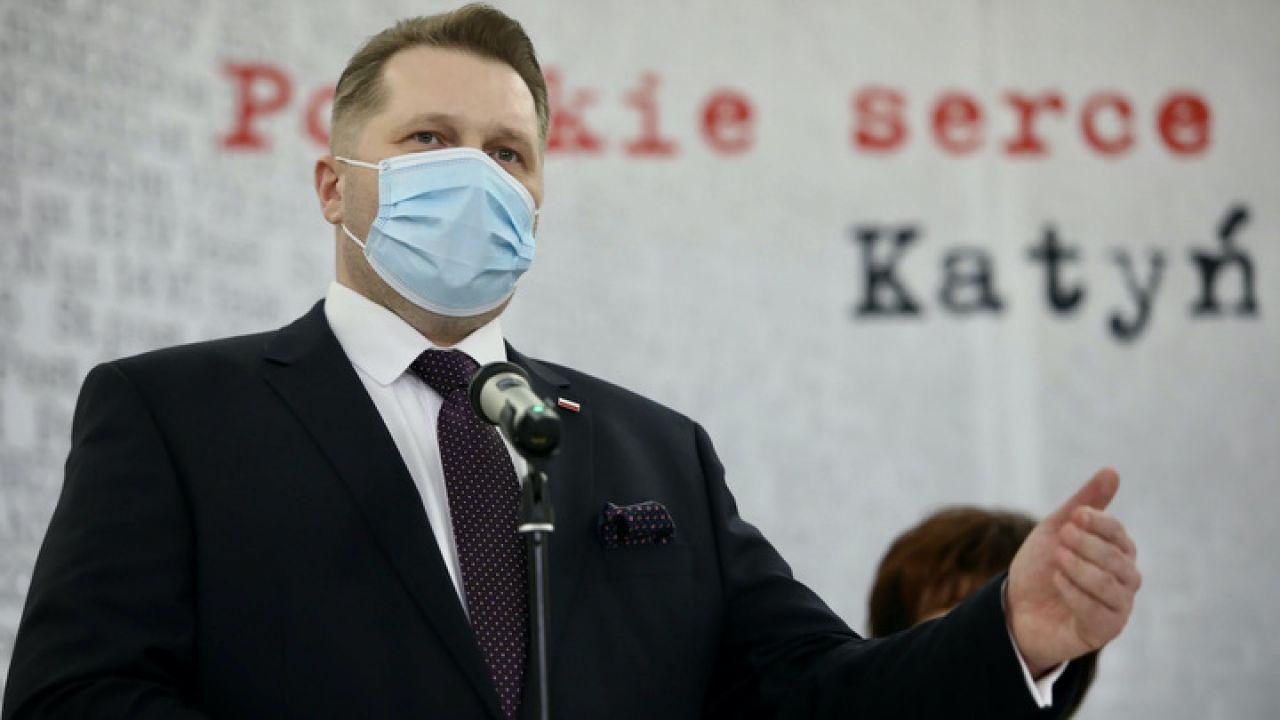 Minister Czarnek zaapelował do rodziców (fot. PAP/Leszek Szymański)