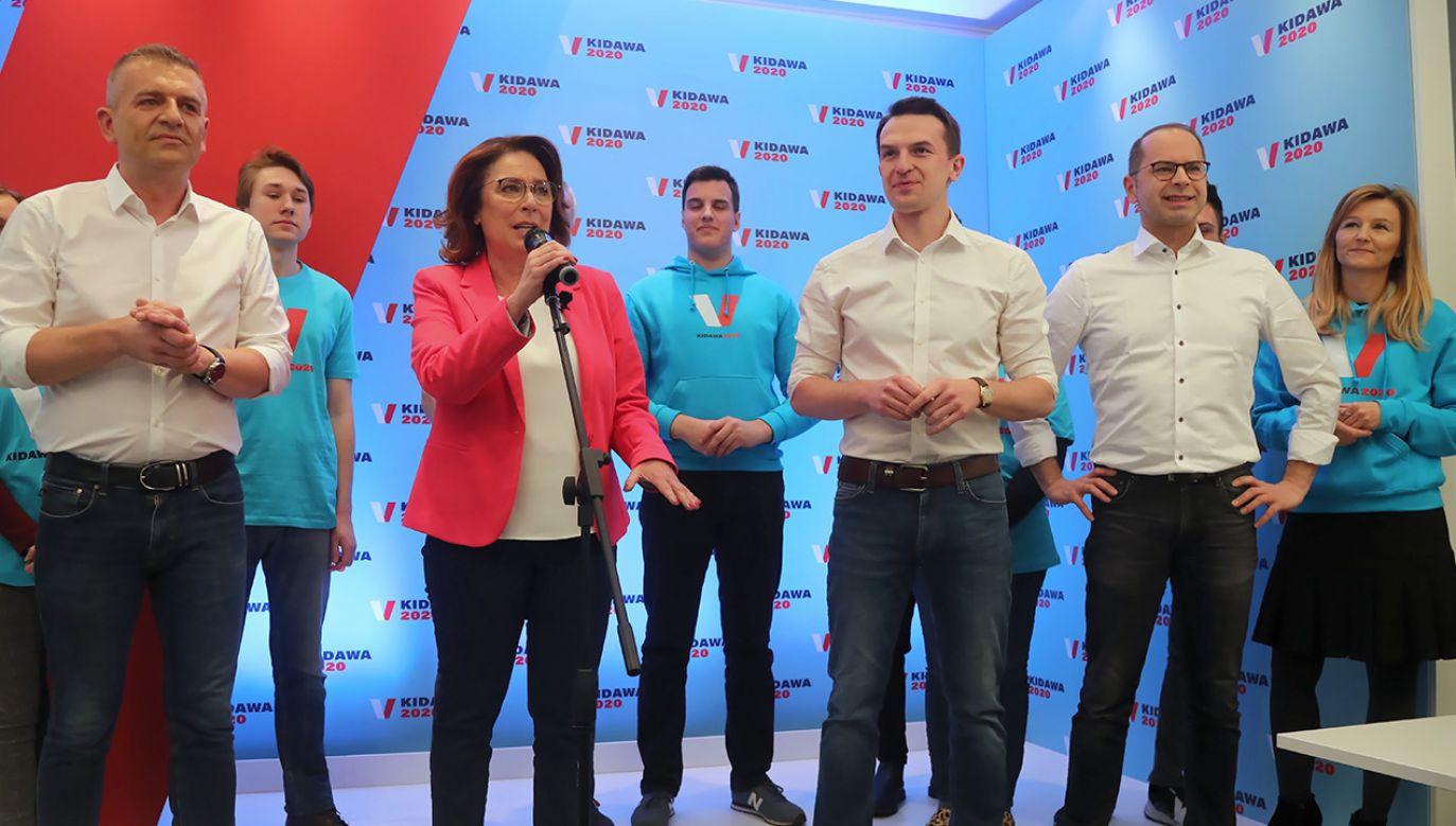 Małgorzata Kidawa-Błońska twierdzi, że PiS wydał na media publiczne pieniądze, które mogłyby być przeznaczone na onkologię (fot. PAP/Wojciech Olkuśnik)