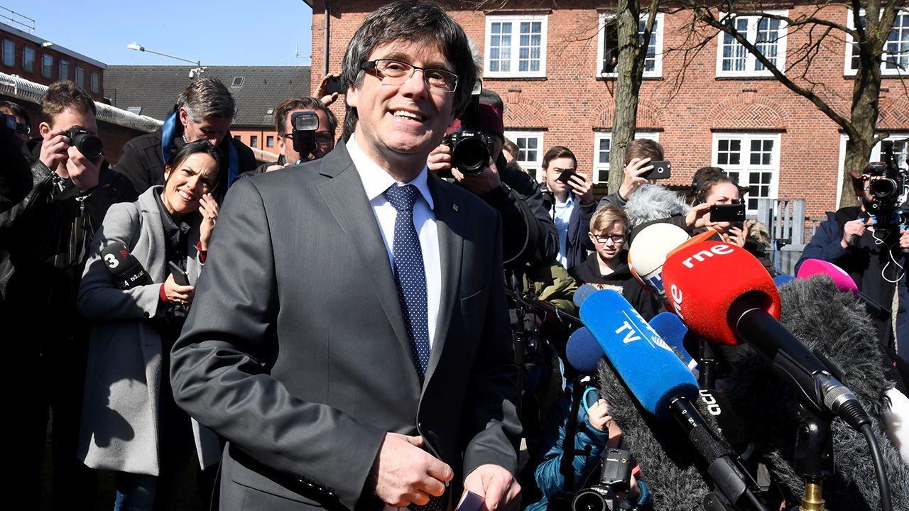 Carles Puigdemont wyszedł z aresztu (fot. REUTERS/Fabian Bimmer)
