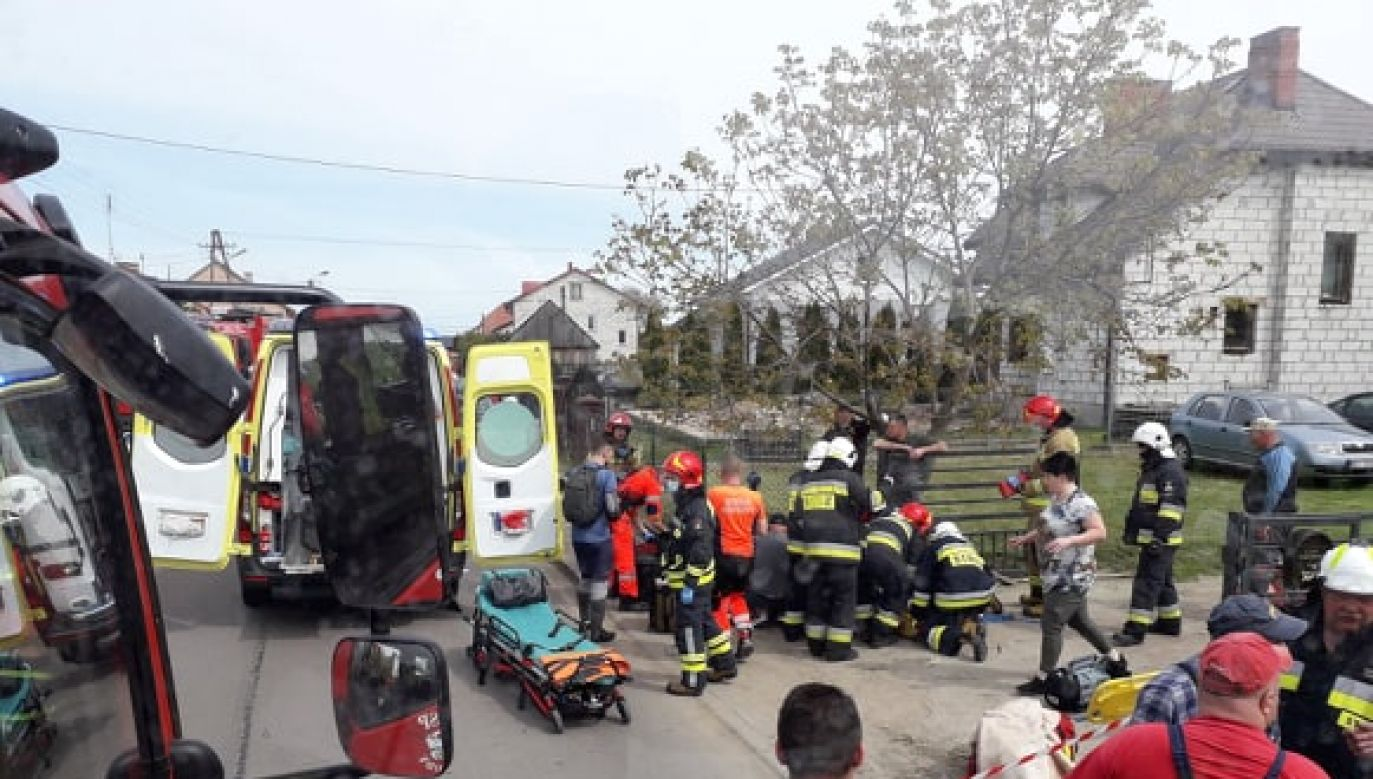 Dzieci z obrażeniami ciała trafiły do szpitala (fot.Facebook/OSP Mokobody)