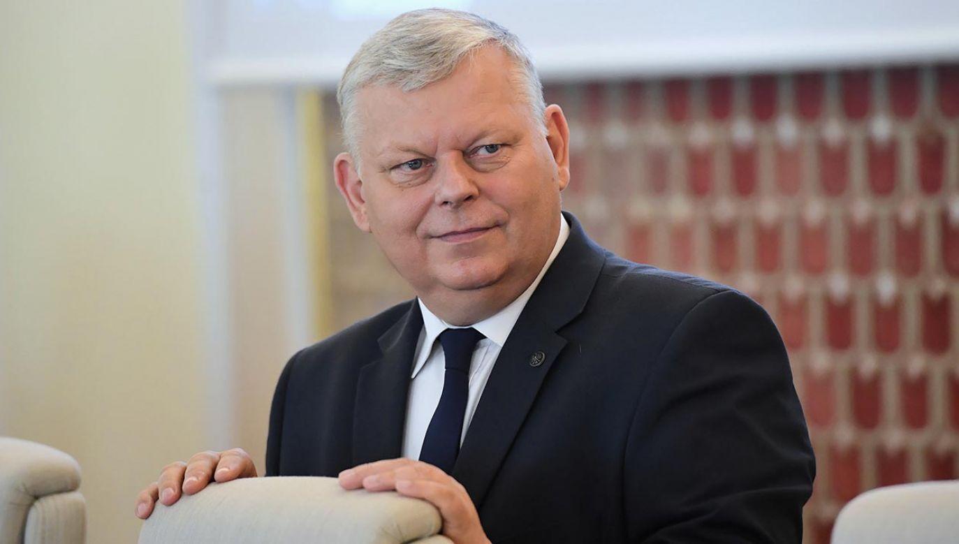 """Poseł PiS Marek Suski ocenił, że z obecnych rozmów """"coś dobrego wyniknie"""" (fot. PAP/Radek Pietruszka)"""