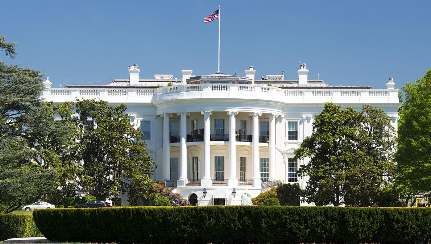 Biały Dom utrzymuje twardy kurs wobec Chin (fot. Shutterstock/Andrea Izzotti)