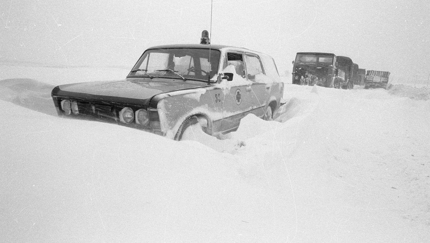 Zima stulecia doprowadziła do paraliżu komunikacyjnego (fot. PAP/CAF/Edmund Uchymiak)