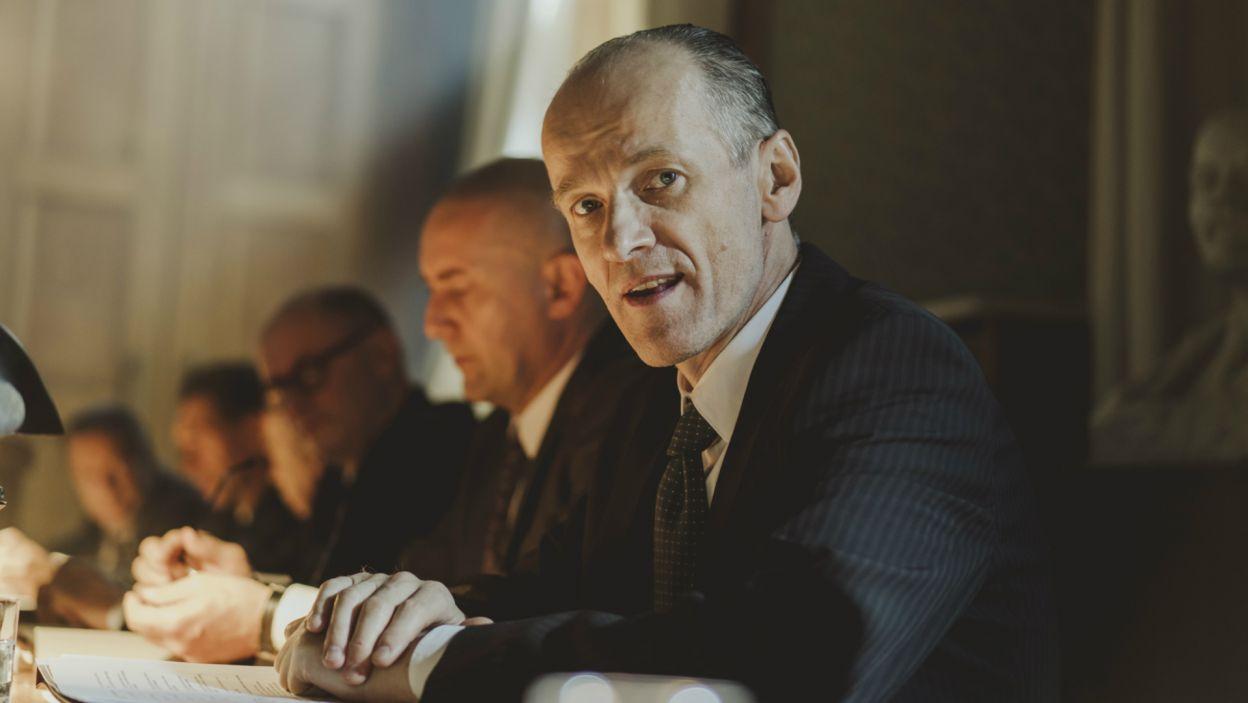 Robert Czebotar jako Zenon Kliszko, najbliższy współpracownik Władysława Gomułki (fot. Stanisław Loba/TVP)