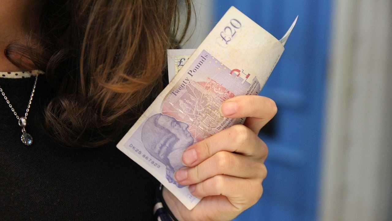 Ryzyko zakażenia poprzez banknoty jest niskie (fot. Pixabay)