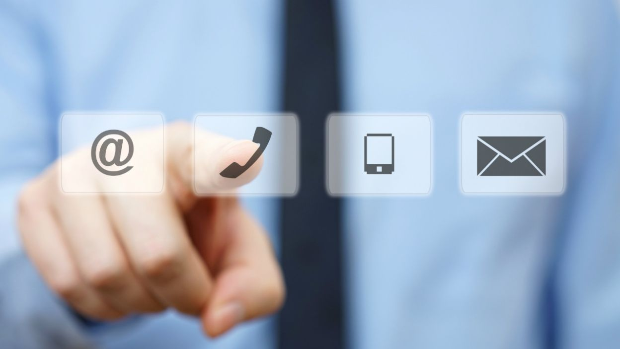 Po każdym programie ekspert odpowie widzom na interesujące ich pytania. Kontakt ze studiem będzie możliwy za pomocą Facebooka, Skype'a, poczty elektronicznej oraz telefonu (fot. shutterstock.com)