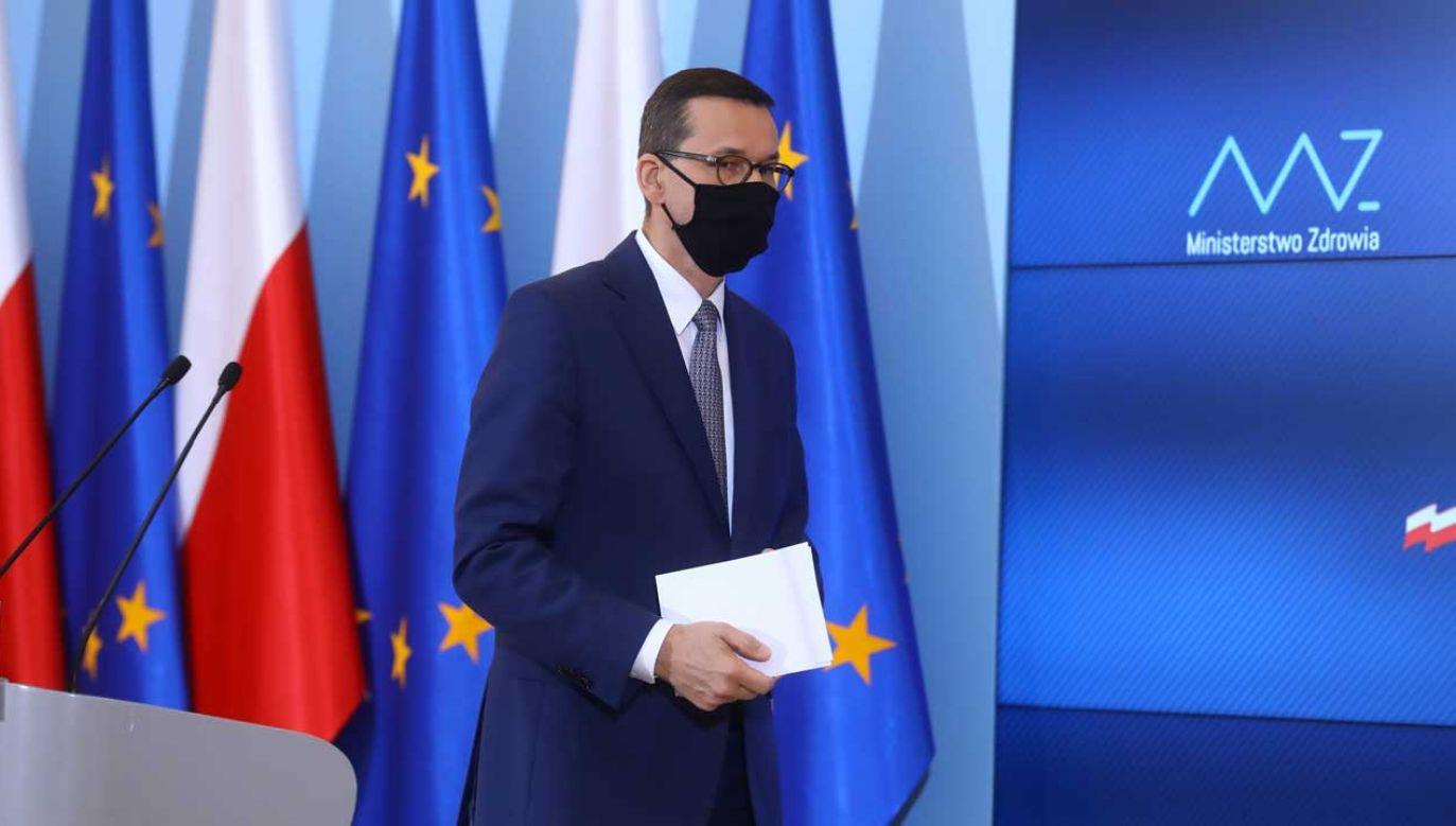 W czwartek szef rządu ma przedstawić nowe informacje o nowych środkach w walce z koronawirusem (fot.  PAP/Rafał Guz)