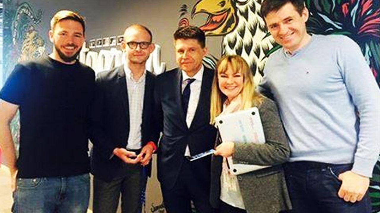 Szefowa Facebooka na Polskę Sylwia de Wydenthal z liderem Nowoczesnej Ryszardem Petru (fot. Facebook/Cezary Franciszek Gmyz)