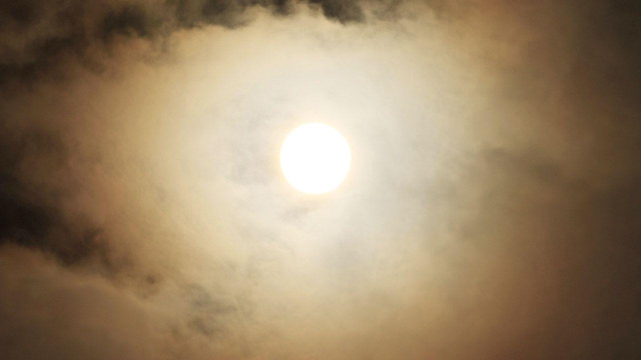 To będzie częściowe zaćmienie Księżyca (fot. Franklin Jacome/Agencia Press South/Getty Images)