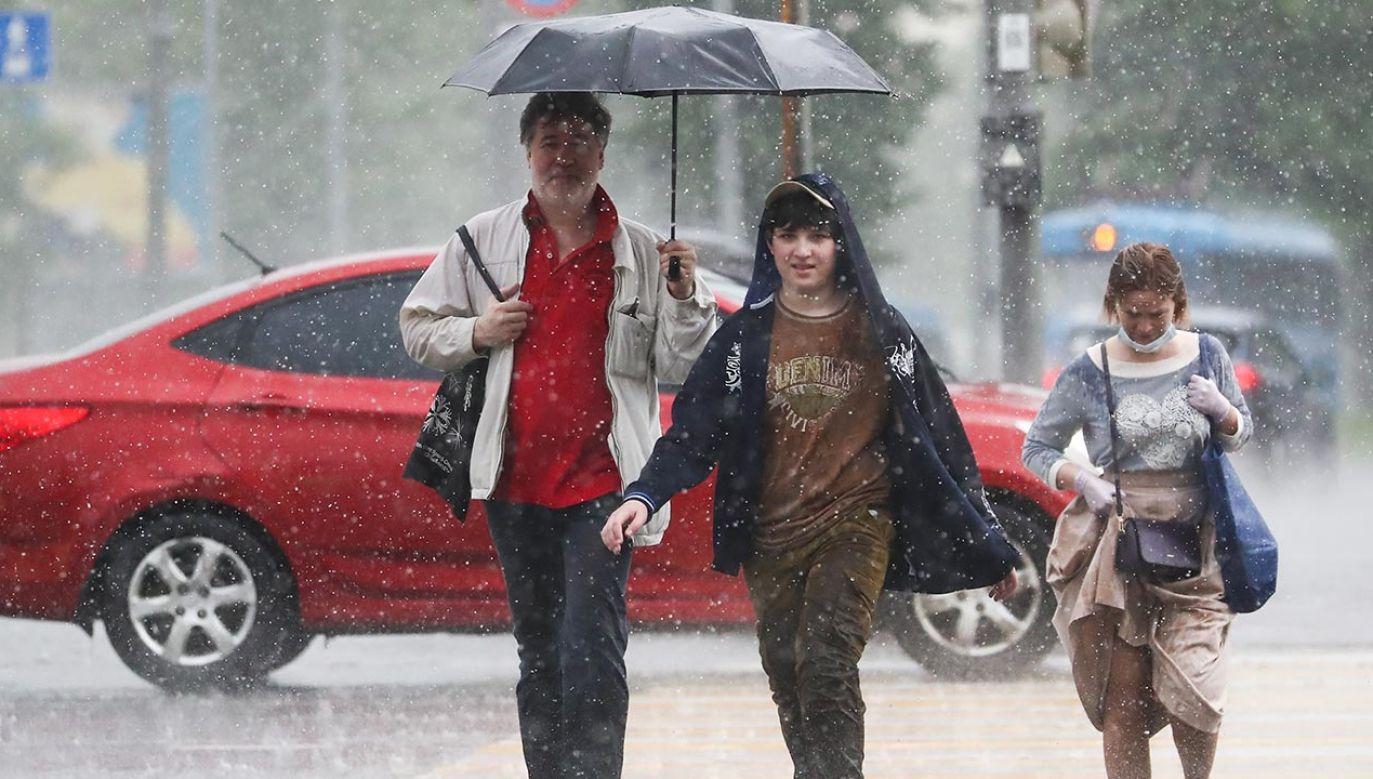 Miejscami mogą wystąpić opady gradu (fot. Anton Novoderezhkin\TASS via Getty Images)