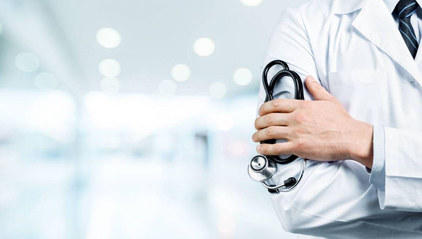 Zgodnie z nowelizacją, szczepić przeciwko grypie osoby dorosłe będą mogli także ratownicy medyczni (fot. Shutterstock/Billion Photos)